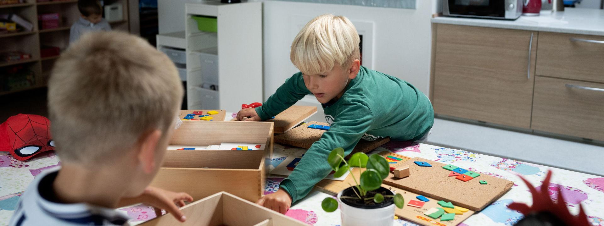 Børn der leger - Ejsing Friskole